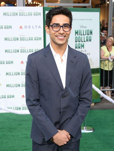 Glasses, Dress shirt, Collar, Sleeve, Coat, Green, Shirt, Outerwear, Suit, Formal wear,