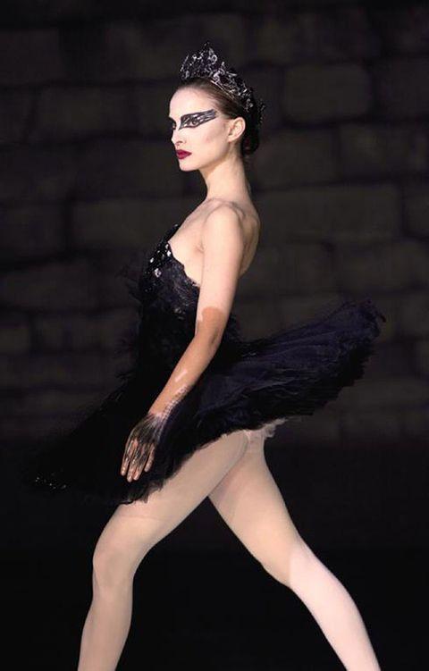 Dress, Fashion accessory, Fashion, Beauty, Black, Headpiece, Fashion model, Thigh, Model, Hair accessory,