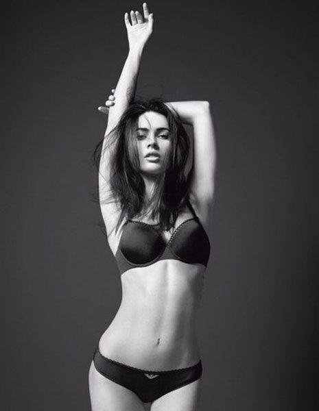 Brassiere, Photograph, Joint, Navel, Style, Undergarment, Swimsuit top, Waist, Swimsuit bottom, Lingerie,