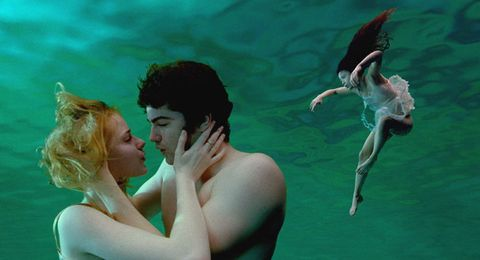 Water, Underwater, Photography, Fun, Romance, Happy, Fictional character, Illustration,