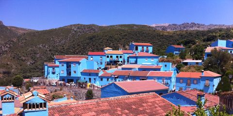 Blue, Neighbourhood, House, Residential area, Roof, Real estate, Building, Home, Town, Azure,