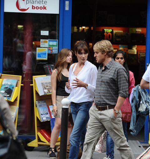 Trousers, Jeans, Shirt, Denim, T-shirt, Street, Luggage and bags, Street fashion, Bag, Snapshot,