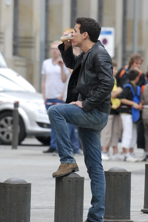 Denim, Trousers, Jeans, Shirt, Outerwear, Standing, Jacket, Street fashion, T-shirt, Street,