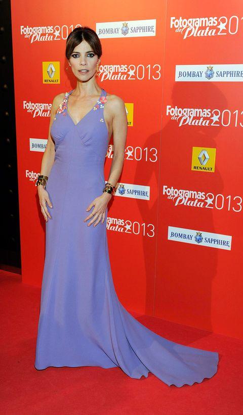 Dress, Flooring, Shoulder, Red, Premiere, Carpet, Style, Fashion accessory, Electric blue, Fashion,