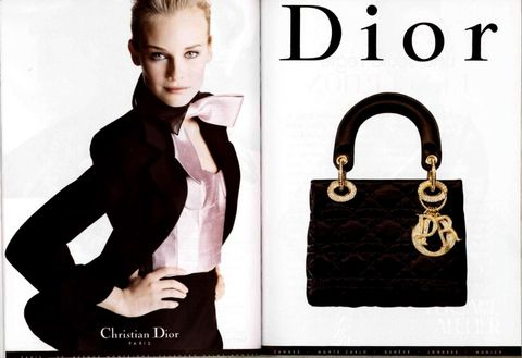 Product, Collar, Bag, Style, Font, Shoulder bag, Fashion, Fashion model, Luggage and bags, Model,