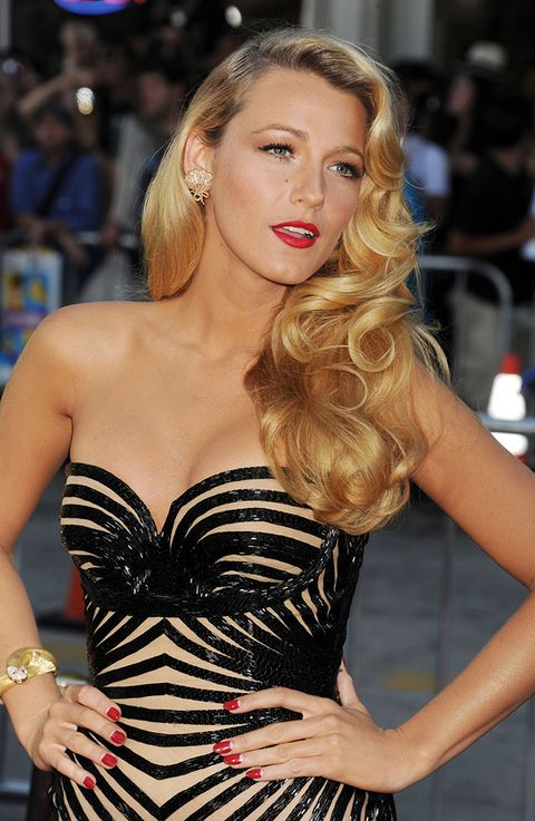 Clothing, Arm, Nose, Mouth, Lip, Hairstyle, Dress, Strapless dress, Shoulder, Hand,