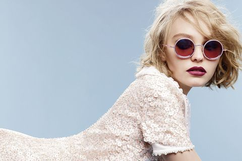 Clothing, Eyewear, Glasses, Vision care, Lip, Sleeve, Shoulder, Sunglasses, Textile, Beauty,