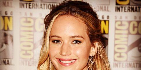 Hair, Nose, Mouth, Lip, Hairstyle, Eye, Eyebrow, Eyelash, Facial expression, Style,