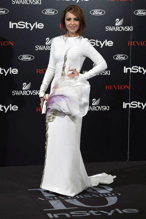 Human, Shoulder, Flooring, Eyelash, Style, Fashion model, Fashion, Premiere, Model, Carpet,