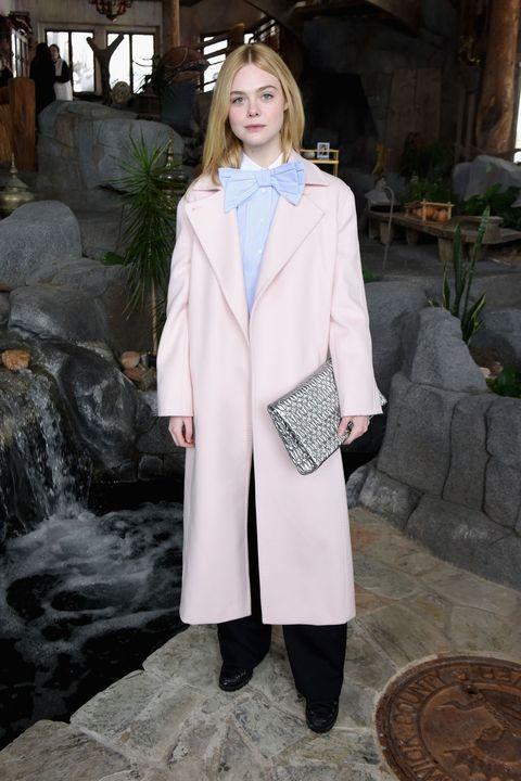 Sleeve, Collar, Coat, Outerwear, Formal wear, Style, Street fashion, Blazer, Overcoat, Fashion model,