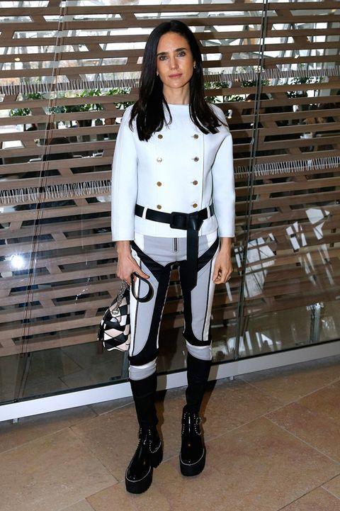 Sleeve, Outerwear, Style, Fashion model, Fashion, Knee, Boot, Street fashion, Thigh, Riding boot,