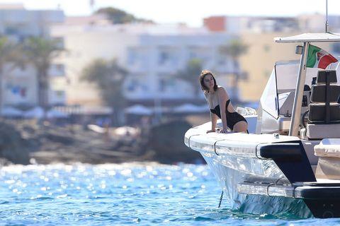 Watercraft, Boat, Naval architecture, Speedboat, Boating, Ship, Skiff, Water transportation, Powerboating, Wave,