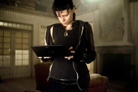Jewellery, Bangs, Living room, Laptop, Computer, Personal computer, Necklace, Gadget, Leather, Netbook,