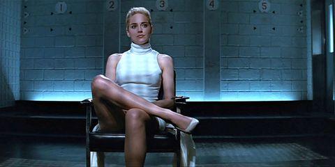 Sitting, Leg, Shoulder, Fashion, Blond, Thigh, Muscle, Human leg, Photography, Knee,