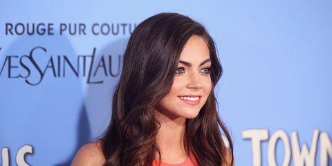 Lip, Hairstyle, Forehead, Eyebrow, Eyelash, Facial expression, Beauty, Long hair, Black hair, Brown hair,
