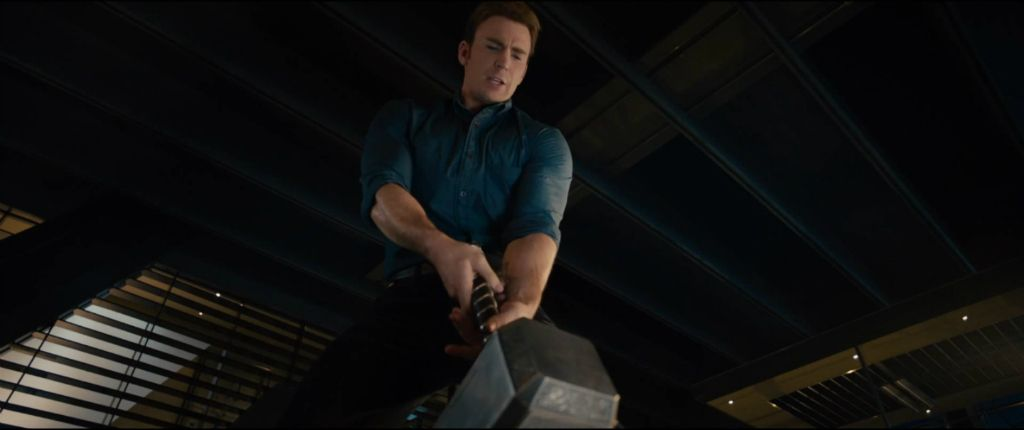 'Capitán América: Civil War': ¿Empuñará Steve Rogers el martillo de Thor?