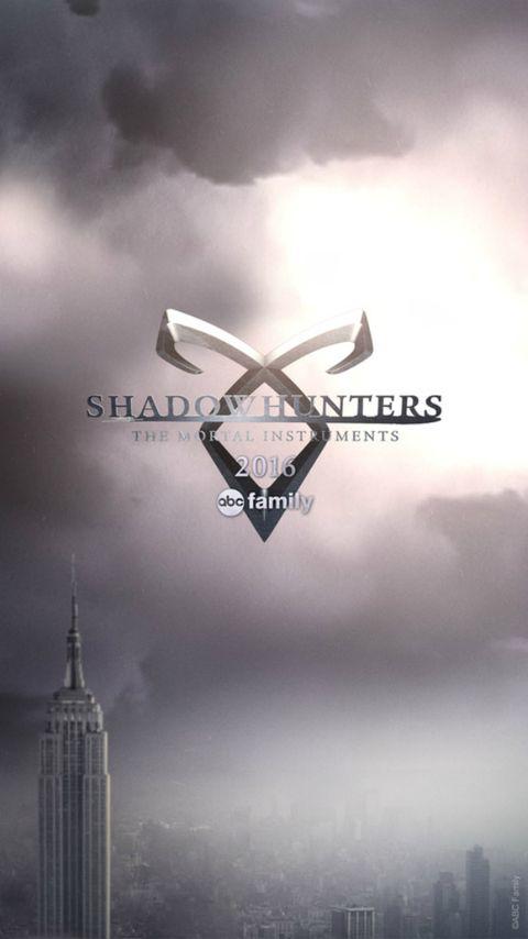 Text, Tower, Atmosphere, Atmospheric phenomenon, Logo, Font, Metropolis, Metropolitan area, Tower block, Symbol,