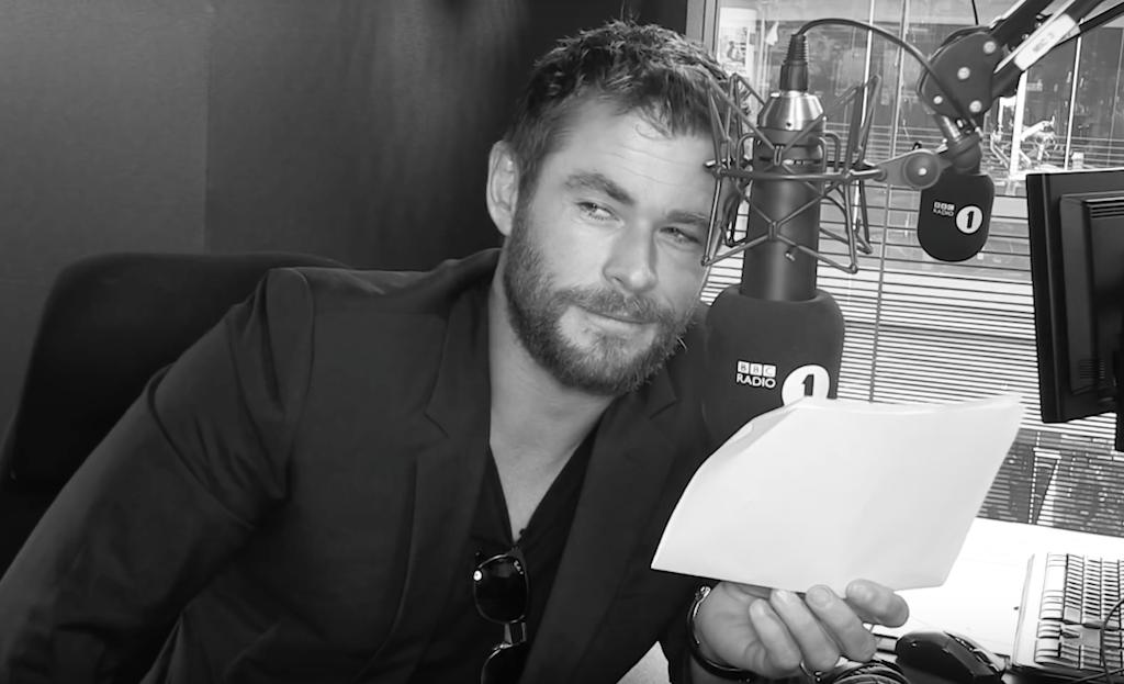 Chris Hemsworth descifra el estribillo del 'Work' de Rihanna