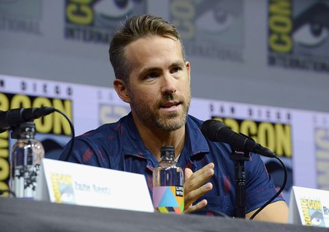Forehead, News conference, Convention, Spokesperson, Games, Event, World, Fictional character, Fiction,