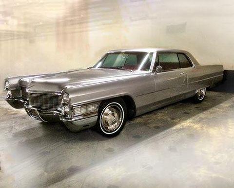 Automotive design, Vehicle, Automotive exterior, Land vehicle, Car, Vehicle door, Hood, Classic, Fender, Personal luxury car,