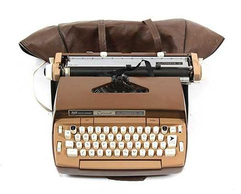 Brown, Product, Office equipment, Electronic device, Technology, Space bar, Typewriter, Line, Font, Machine,