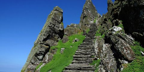 Rock, Stairs, Landmark, Bedrock, Ruins, Stone wall, Ancient history, Archaeological site, History, Monument,