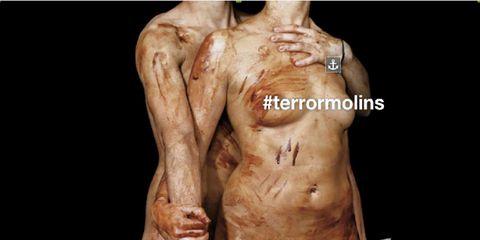 Skin, Shoulder, Human leg, Joint, Chest, Muscle, Trunk, Barechested, Organ, Abdomen,