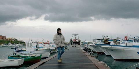 Watercraft, Cloud, Boat, Dock, Harbor, Marina, Boardwalk, Walkway, Naval architecture, Ship,