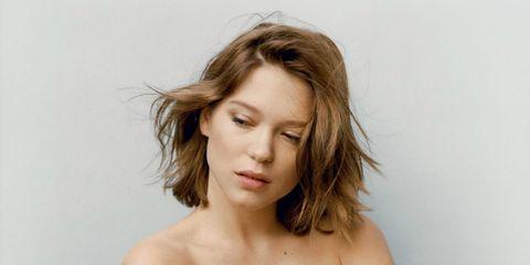 Lip, Hairstyle, Skin, Chin, Shoulder, Eyebrow, Joint, Eyelash, Strapless dress, Jaw,