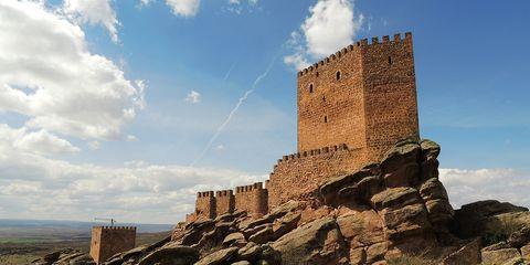 Sky, Cloud, Rock, Bedrock, Wall, Outcrop, Cumulus, Stone wall, Ruins, Geology,