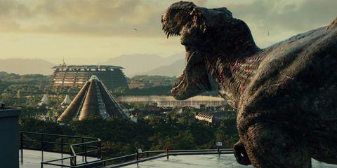 Landmark, Sculpture, Terrestrial animal, Working animal, Nonbuilding structure, Tourist attraction, Extinction, Historic site, Dinosaur, Monument,