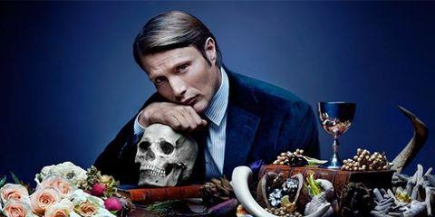 Bone, Skull, Stemware, Wine glass, Glass, Drinkware, Champagne stemware, Tie, Photography, Garden roses,