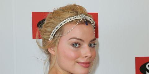 Ear, Hairstyle, Chin, Forehead, Eyebrow, Eyelash, Hair accessory, Headpiece, Style, Headgear,
