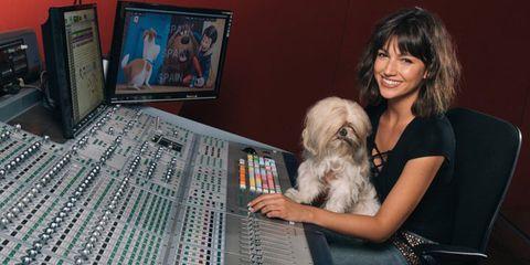 Human, Audio equipment, Dog breed, Dog, Carnivore, Electronic device, Technology, Audio engineer, Toy dog, Mixing engineer,