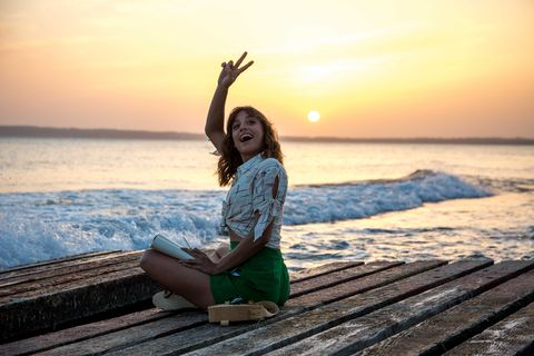 Human body, Human leg, Happy, Sitting, People in nature, Leisure, Sunset, Sun, Sunrise, Summer,