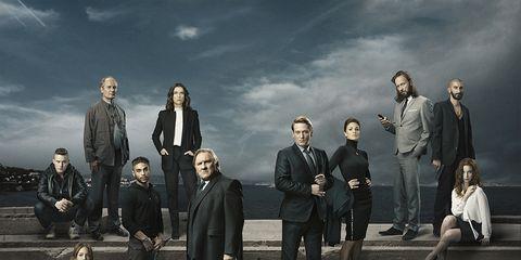 Coat, Team, Jacket, Conversation, Overcoat, Crew, Collaboration, Pantsuit, Frock coat,