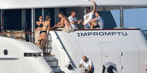 Water transportation, Boat, Vehicle, Yacht, Sailing, Recreation, Naval architecture, Watercraft, Boating, Sailing,