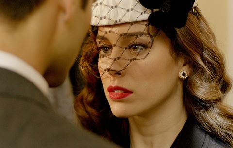 Hair, Face, Eyewear, Glasses, Lip, Eyebrow, Beauty, Headpiece, Forehead, Human,