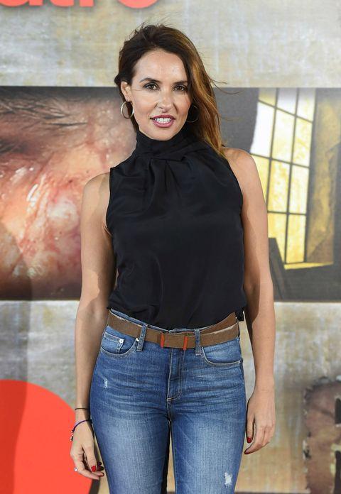 Brown, Denim, Trousers, Jeans, Shoulder, Textile, Pocket, Trunk, Fashion, Waist,