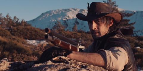 Hat, Shooting, Hill, Shotgun, Sun hat, Headgear, Gunfighter, Air gun, Shooter game, Machine gun,