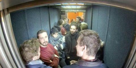 Head, Transport, Passenger, Shoulder, Social group, Comfort, Organ, Public transport, Snapshot, Service,