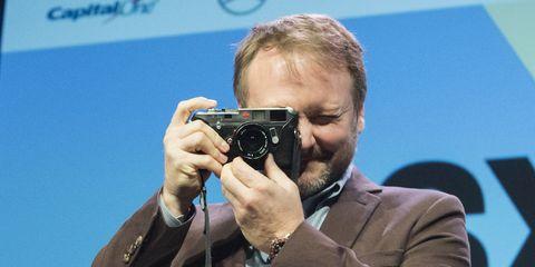 Cameras & optics, Camera operator, Photography, Journalist, Camera, Spokesperson,
