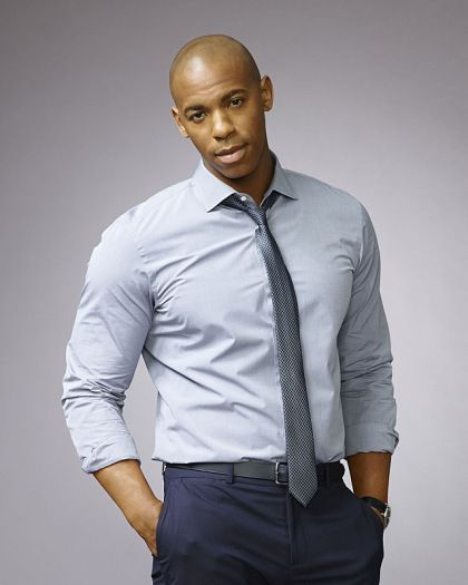 Clothing, Dress shirt, Collar, Sleeve, Trousers, Human body, Shoulder, Pocket, Shirt, Standing,