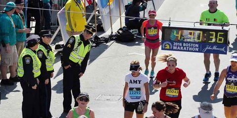 Endurance sports, Quadrathlon, Athlete, Running, Long-distance running, Individual sports, Sports, Racing, Competition event, High-visibility clothing,