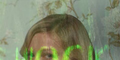 Hairstyle, Forehead, Eyebrow, Organ, Iris, Selfie, Step cutting, Hair coloring, Feathered hair,