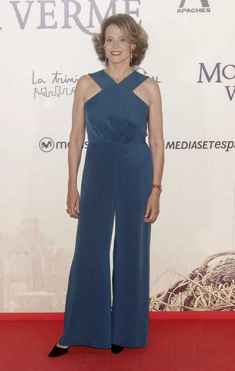 Clothing, Dress, Shoulder, Joint, Flooring, Formal wear, Style, One-piece garment, Electric blue, Fashion,