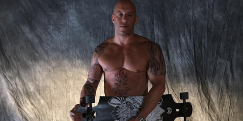Muscle, Chest, Barechested, Flash photography, Trunk, Camera, Animation, Digital compositing, Video game software, Abdomen,