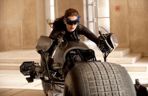 Automotive tire, Automotive design, Goggles, Personal protective equipment, Fender, Tread, Automotive wheel system, Motorcycle, Auto part, Rim,