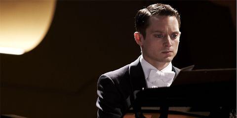 Ear, Musician, Pianist, Music, Keyboard, Jazz pianist, Musical instrument, Keyboard player, Music artist, Recital,