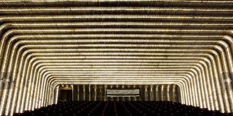 Infrastructure, Architecture, Ceiling, Line, Hall, Symmetry, Auditorium, Performing arts center, Theatre,